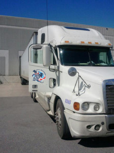 moving van for long distance movers picture